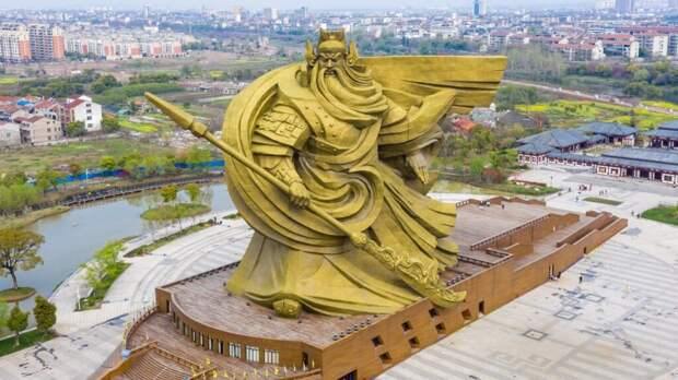 В Китае выделят $24 млн для сноса гигантской статуи