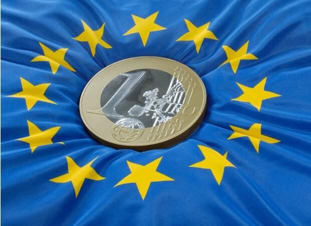 Власти ЕС изучают юридические и технические вопросы по возможности введения цифрового евро