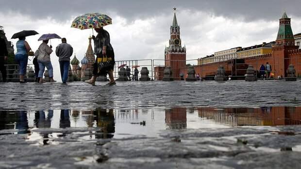 Кремль надеется в течение года остановить падение доходов россиян
