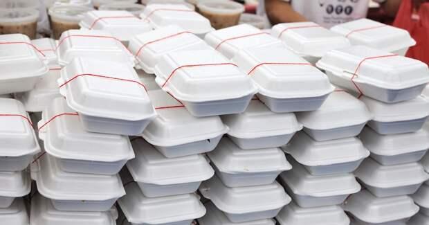Москвичи унесли с собой еды в пять раз больше