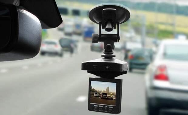 На что обратить внимание при покупке видеорегистратора