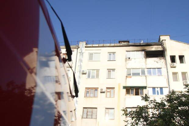 В Севастополе загорелась многоэтажка
