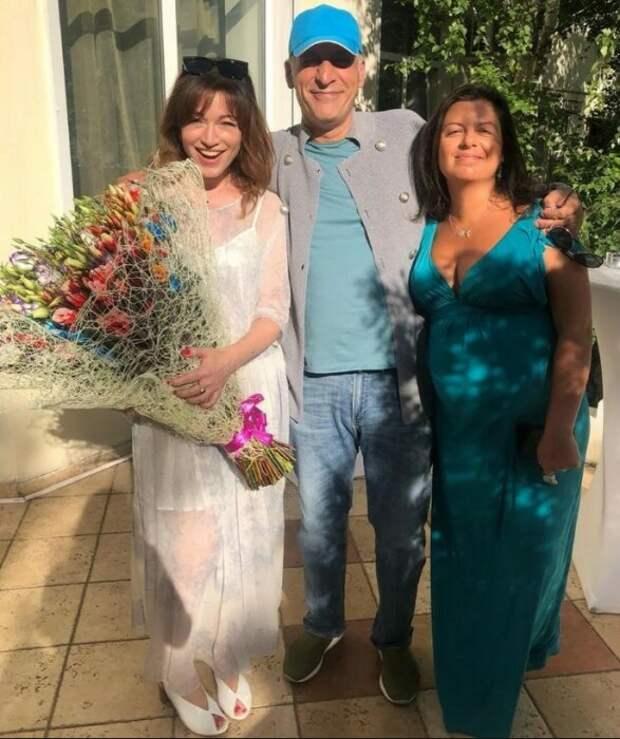 Почему Алёна Хмельницкая подружилась с новой женой бывшего мужа