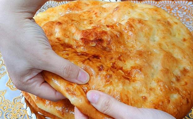 Превратили вареный картофель в выпечку: толчем в пюре, а затем запекаем в духовке