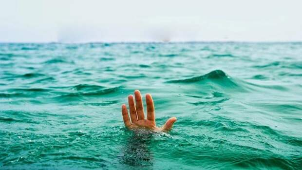 За сутки в Крыму произошло несколько несчастных случаев на воде. Есть погибшие