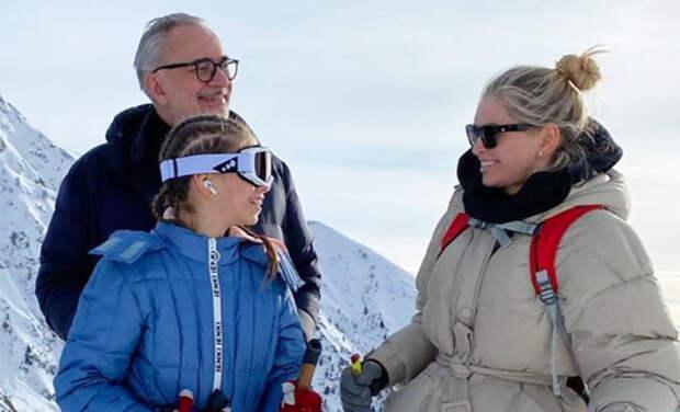 Всем ветрам назло: Вера Брежнева с дочерью и Константином Меладзе покорила итальянские горы