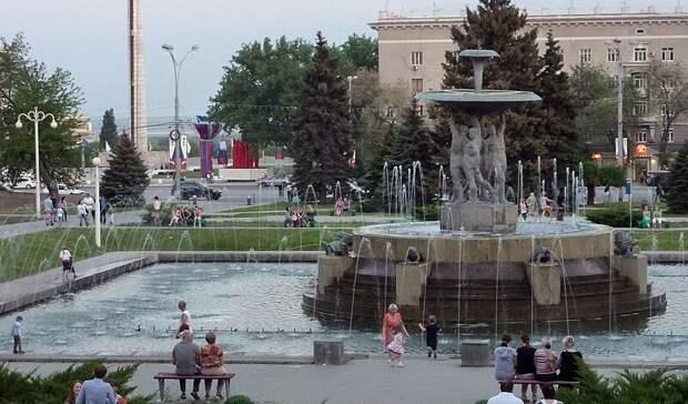 Каскадный фонтан вРостове наТеатральной площади переделают всветомузыкальный