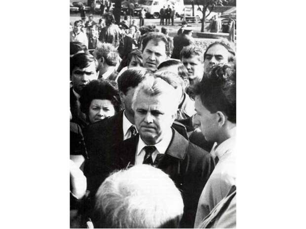 Хитрый лис Леонид Кравчук: отец независимой Украины. Очерк 1