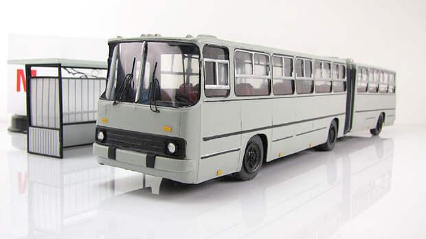 https://www.mini-koleso.ru/images/models/arhiv/arus280_sochlenenniy_seriy.mkb42/avtobus_ikarus280_sochlenenniy_seriy.0.product.lightbox.jpg