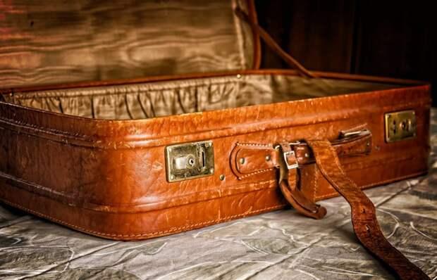 На Бескудниковском бульваре житель обнаружил подозрительный чемодан