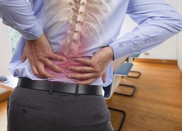 Почему болит поясница? Причины возникновения болей в спине в зависимости от заболевания