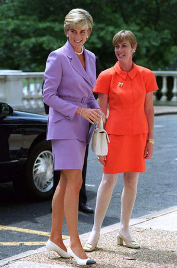 фиолетовый цвет в одежде принцесса Диана