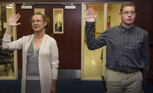 Американец записался на флот вместе с мамой