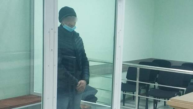 Ранее судимый брянец 1 января попытался изнасиловать женщину в подъезде