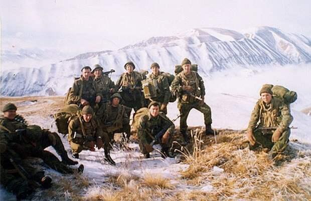 Бой в Аргунском ущелье. 90 десантников против 2000 боевиков.
