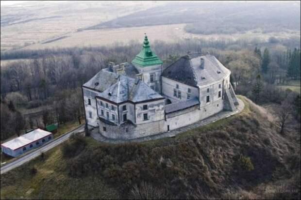 Олесский замок, Львовская область — дворец Бэкингема.