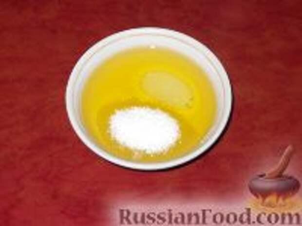 Фото приготовления рецепта: Салат из свежей капусты с огурцами - шаг №8