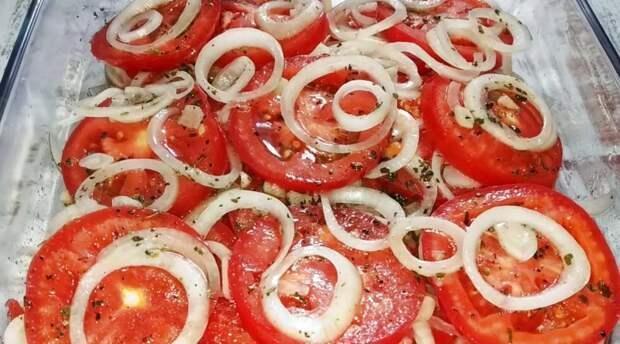 Делайте сразу две порции! Закуска из помидоров