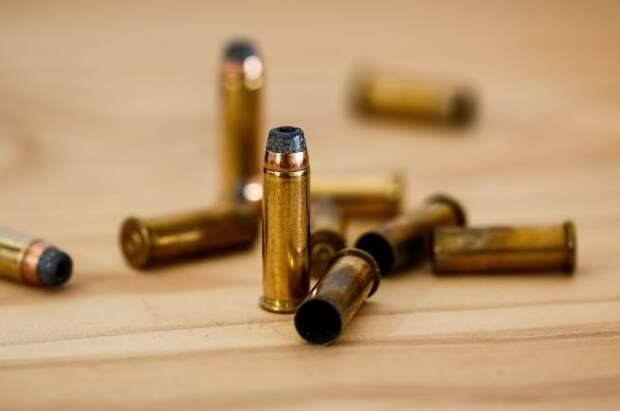 Неизвестный устроил стрельбу в торговом центре в Небраске