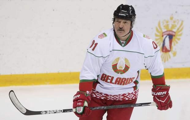 Швейцарское издание утверждает, что ЧМ-2021 отнимут у Белоруссии. Мол, решение уже принято. Но «батька», в отличие от латвийских властей, не прогадает