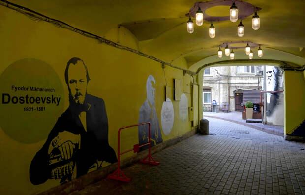 10 самых интересных граффити Санкт-Петербурга (ФОТО)