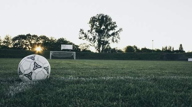Футболисты клубов Суперлиги не смогут выступать на ЧМ и ЧЕ