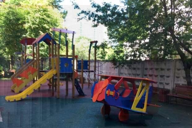 Детская площадка/parking.mos.ru
