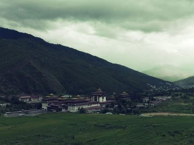 Буддистский монастырь и крепость Ташичо-дзонг