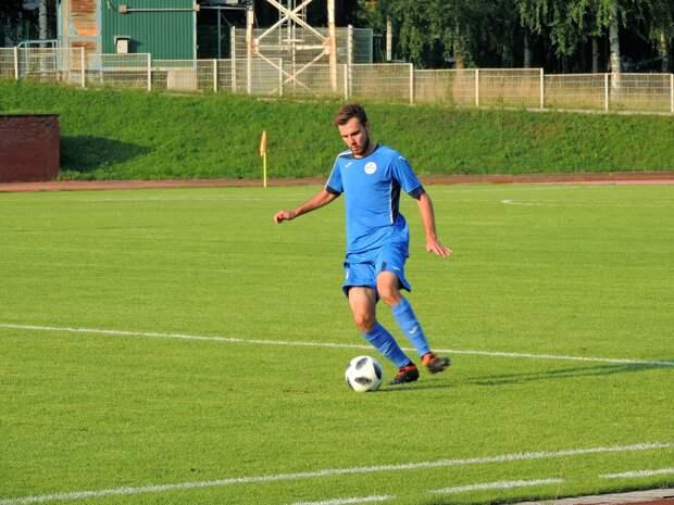 Футболисты команды «Зенит-Ижевск» проиграли на выезде в Барнауле
