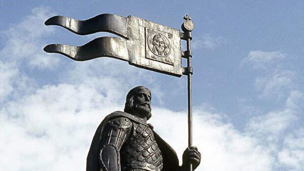 Невский достойный герой для памятника на Лубянке, заявили в РПЦ
