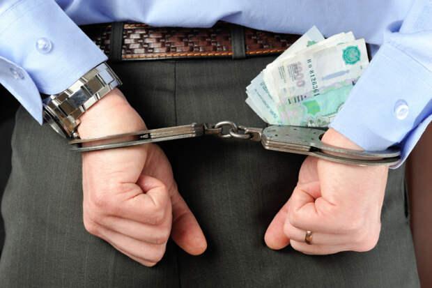 На Кубани чиновника поймали с поличным при получении взятки