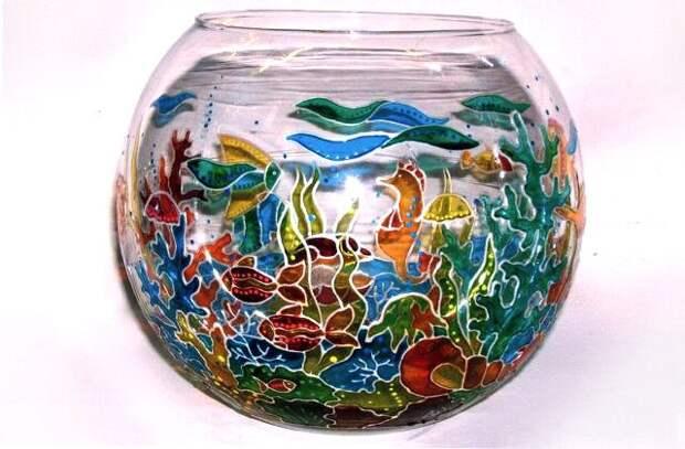 Лампа из старого аквариума с ручной росписью