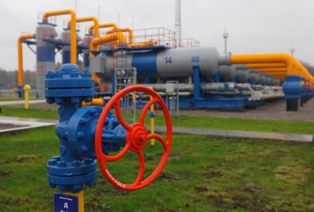 """""""Нафтогаз"""": Прокачка российского газа через Украину упала вдвое"""