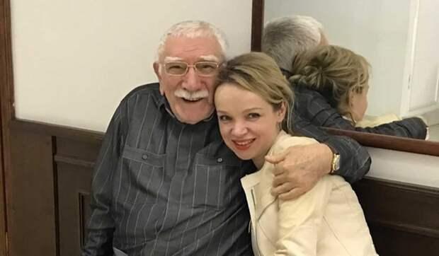«Грустный казус в конце жизни»: Цымбалюк-Романовская о большом позоре престарелого Джигарханяна