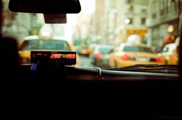 Ехала сегодня с таксистом, разговорились, и вот чем он меня удивил…