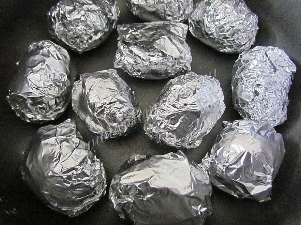 Картофель, запеченный в мультиварке