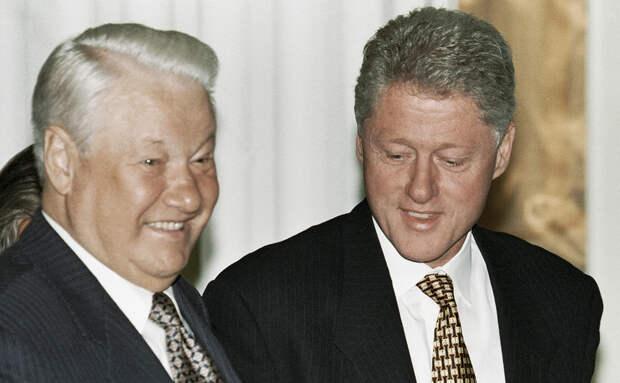 Ельцин предлагал Клинтону провести тайные переговоры на подводной лодке