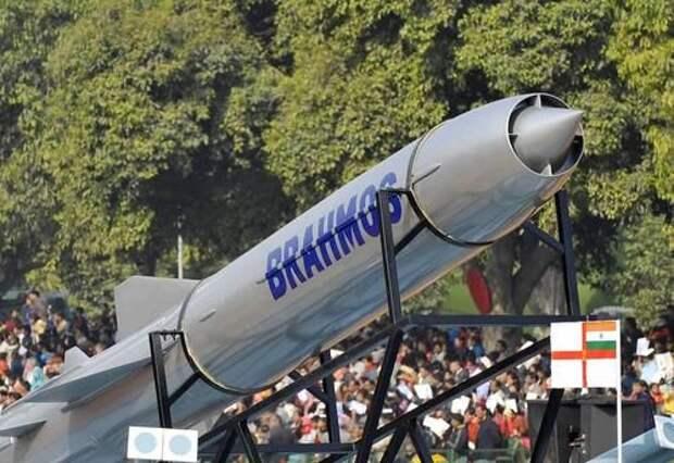 Военный политолог Глазунов заявил, что США не помешают России и Индии создать крылатую ракету