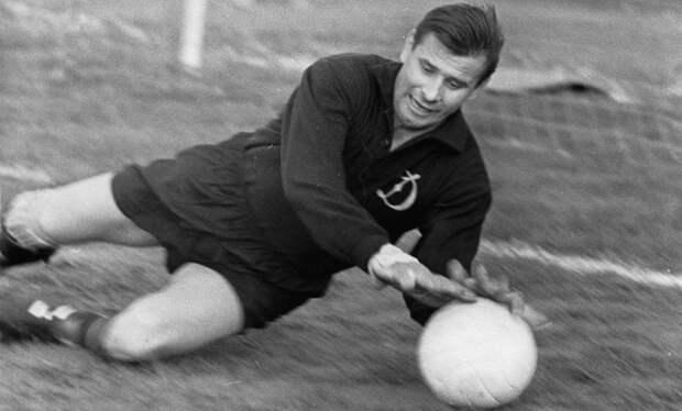 Как советский вратарь Лев Яшин стал лучшим в мире. История легенды