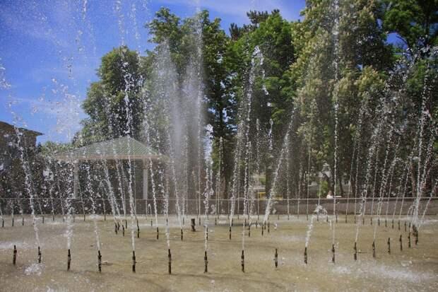 Симферопольцам отбивают охоту купаться в фонтанах химикатами и холерой