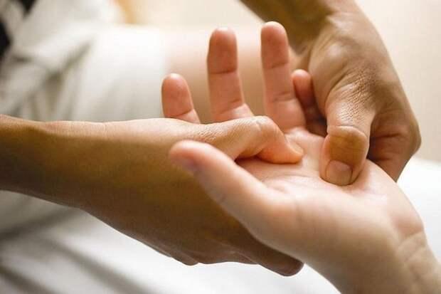 По рукам человека можно определить чем он болен (604x403, 34Kb)