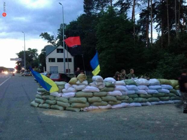 «Правый сектор» в обход ВСУ поставил платный КПП на границе с ДНР
