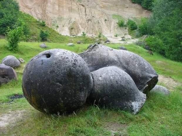 Трованты - камни, которые растут и размножаются во время дождей
