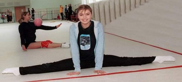 Фотоподборка художественной гимнастки Алины Кабаевой в юности