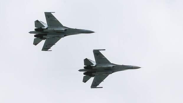 Российские Су-27 «перехватили» самолеты-разведчики США на Черным и Балтийским морями