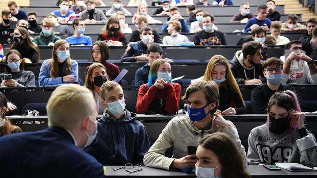 Петербургский политех и МФТИ стали лидерами по росту цен на высшее образование