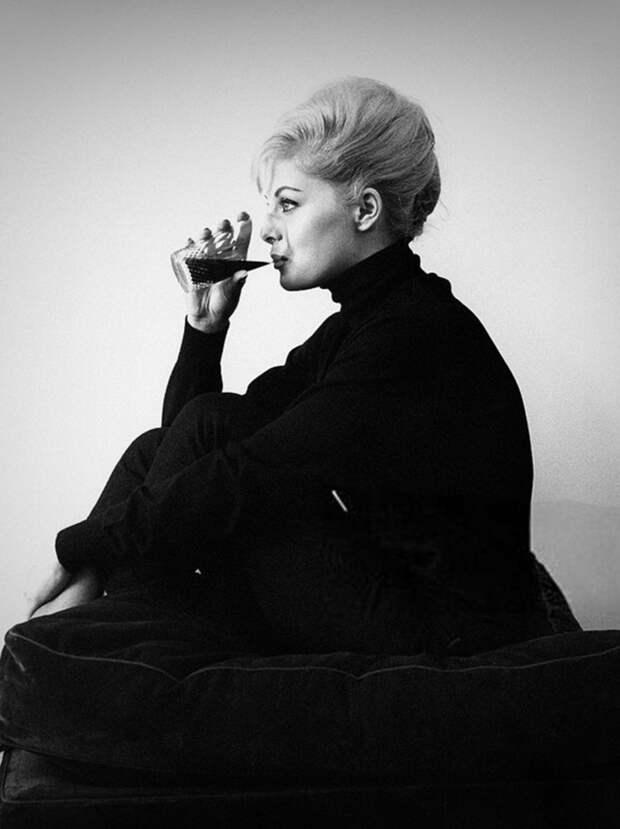 Утонченная красота итальянской актрисы Вирны Лизи