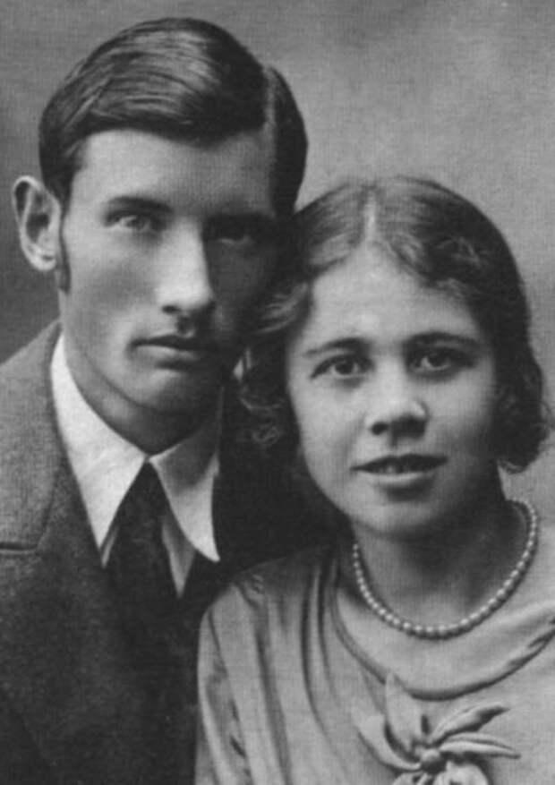 Орест Николаевич и Екатерина Николаевна Высотские в молодости.
