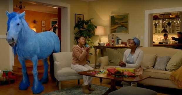 Динозавры, балерины и маленькая коза: бренды начали подготовку к Рождеству и запустили праздничные рекламные ролики