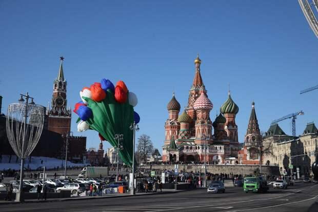 Речь Владимира Путина, аэростат в Москве, флешмоб в Нижнем Новгороде: Россия поздравляет женщин с праздником